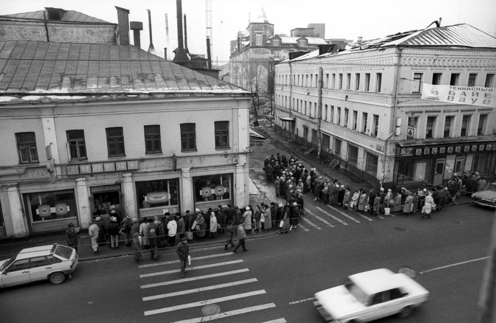 Очереди в СССР: быт и культура, интересные факты, фото