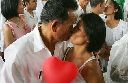 день поцелуев в москве