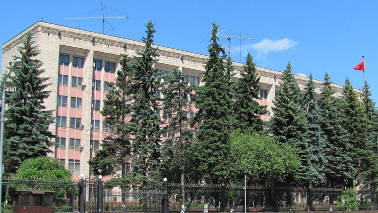 главный фасад посольства кнр