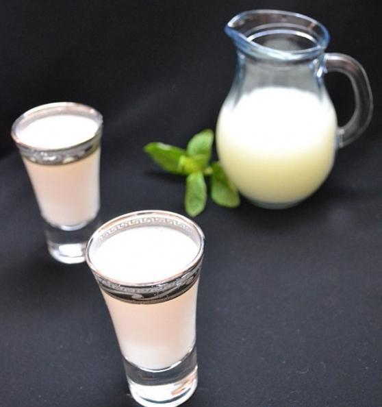 Напиток айран: польза и вред, свойства, калорийность, рецепты 597