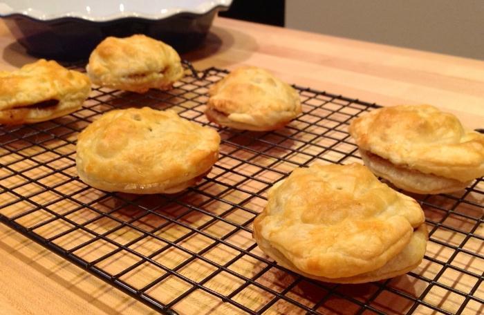 Пирожки бомбочки в духовке