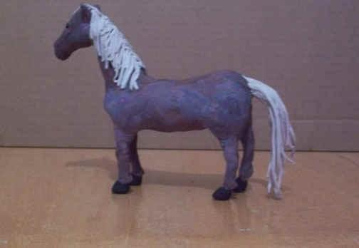 пластилиновая лошадь