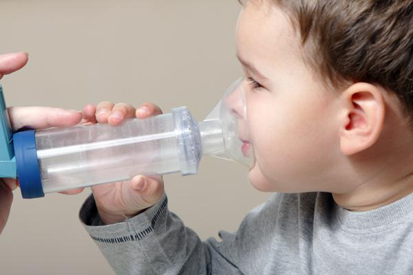 ребенок дышит с хрипом