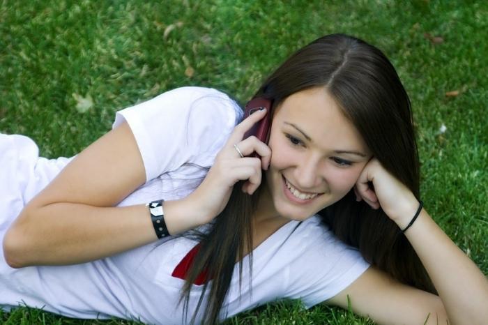О чем можно говорить с девушкой по телефону