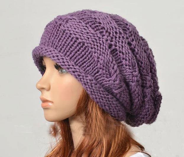 как связать женскую шапку спицами