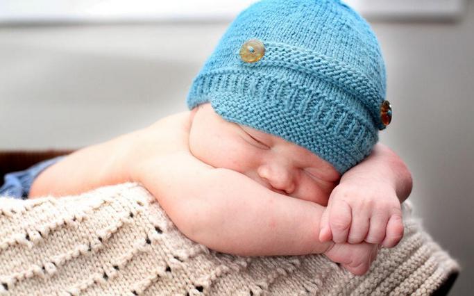 связать шапку спицами для мальчика