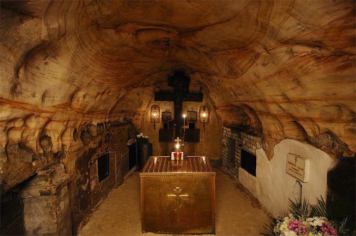 псково печерский успенский монастырь