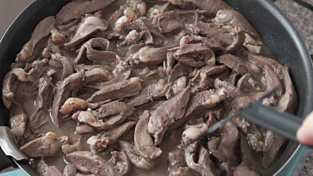Сколько варить куриную печень для ребенка: время приготовления, особенности, советы