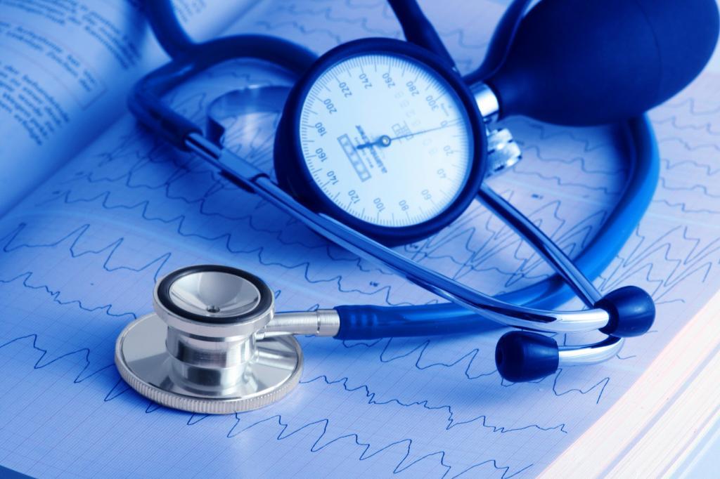 Можно ли вызвать скорую без полиса: правила оказания медицинской помощи и советы специалистов