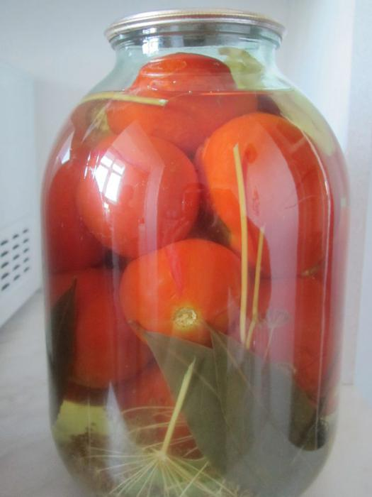 помидоры в банках с горчицей