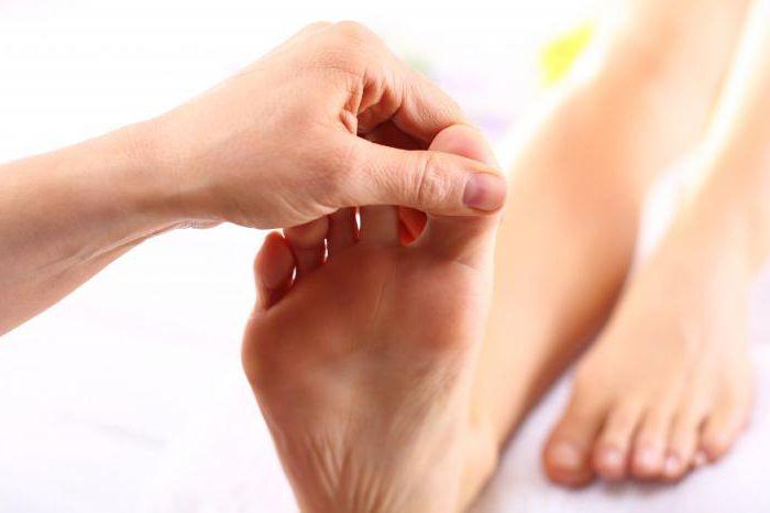 Боль в стопе под пальцами при ходьбе, к какому врачу