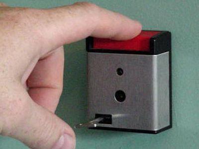 кнопка тревожной сигнализации
