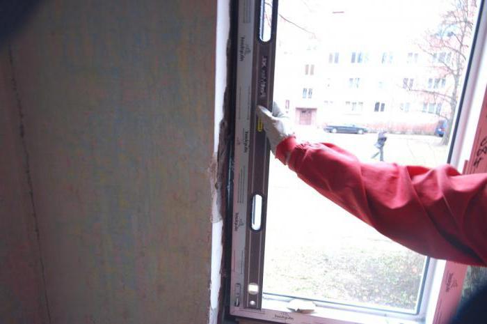 При ремонте что сначала делают потолок или обои