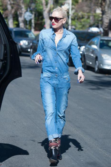 с чем носить синие джинсы женские