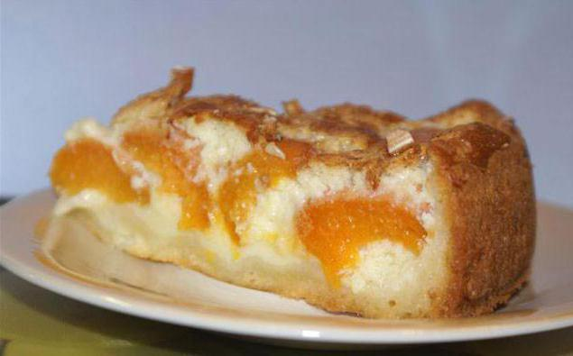 заливной пирог с абрикосами в мультиварке