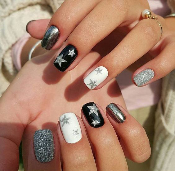 gel manicure with stars