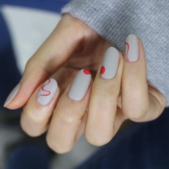 minimalistic manicure of short nails