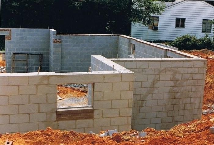 Как построить одноэтажный дом из пеноблоков своими
