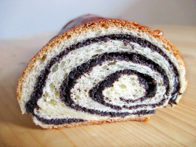 Puff with poppy seeds