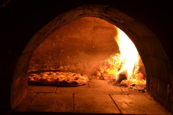Какой должна быть печь для пиццы? Какой фирмы купить печь для пиццы? Отзывы и советы экспертов