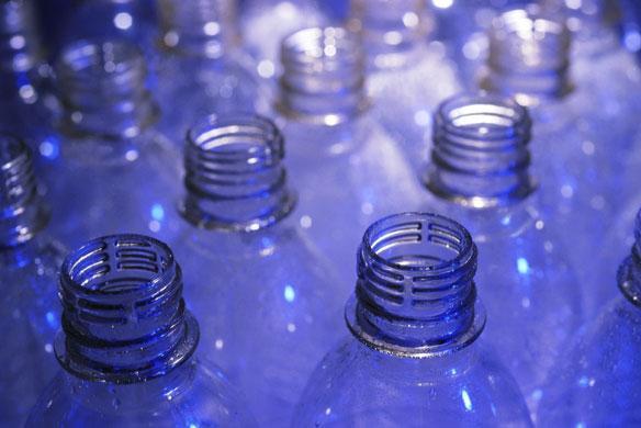 Изготовление поделок из пластиковых бутылок.