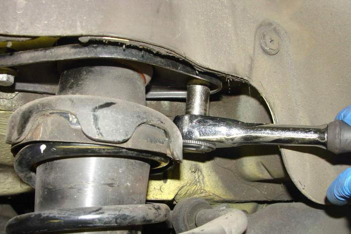 1085278 - Стучит привод передней подвески