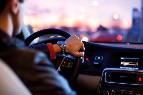 громкая связь в машине
