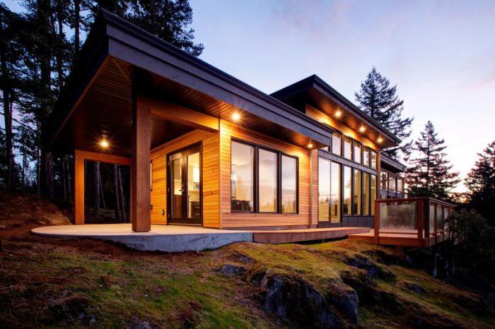 Дом из деревянных кирпичей