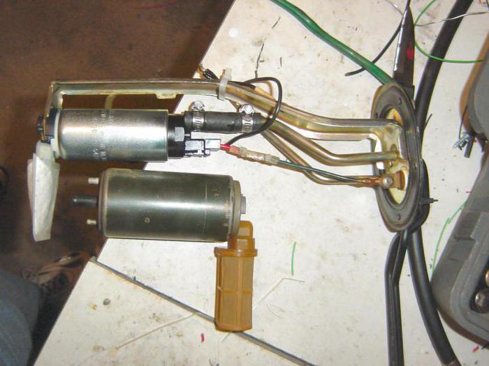 1541279 - Электрический топливный насос для карбюратора