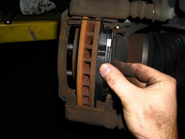 1593512 - Через сколько надо менять тормозные колодки