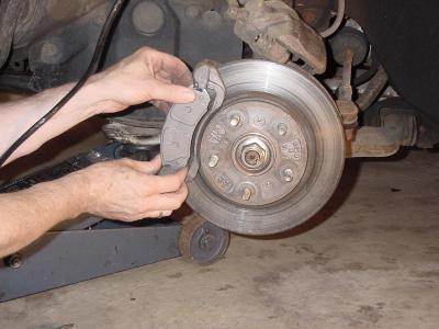 1593513 - Через сколько надо менять тормозные колодки