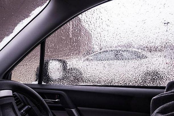 потеют стекла внутри машины что делать каждой
