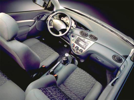 """""""Форд-Фокус 1"""" (американец, 2л, автомат): двигатель, технические характеристики, отзывы владельцев, фото"""