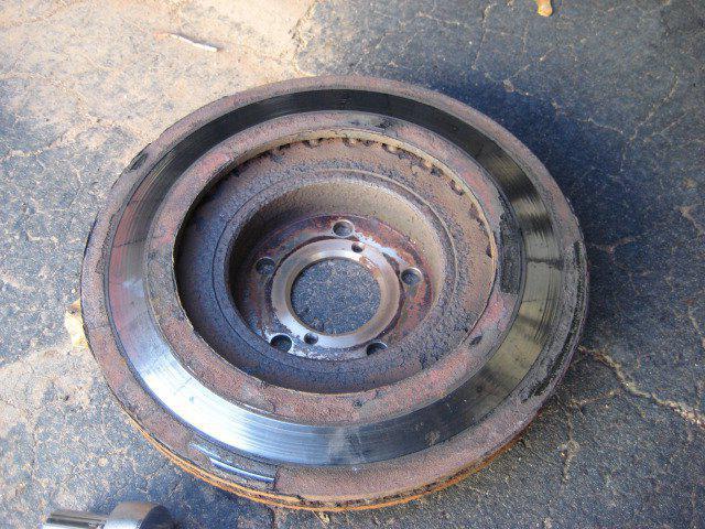 Как измерить износ тормозных дисков
