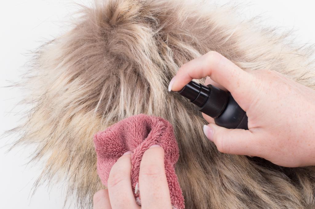 clean the sheepskin coat