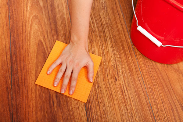 how to wash laminate at home