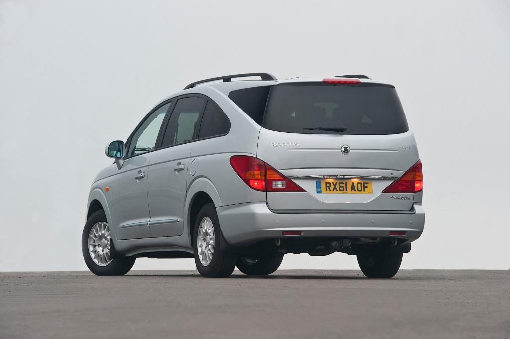 ssangyong stavic specifications