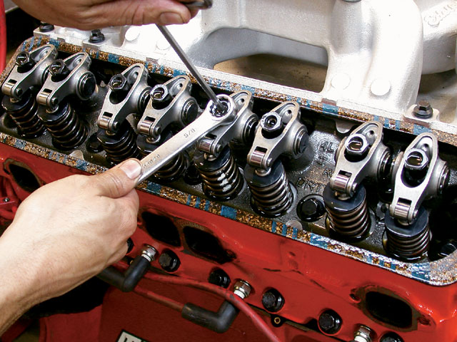 стук клапанов двигателя