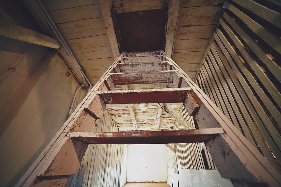 отступ от стены для лестницы в бане