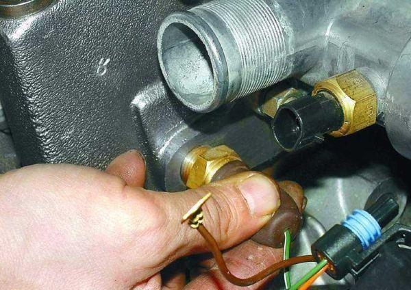 температуры двигателя ваз 2106