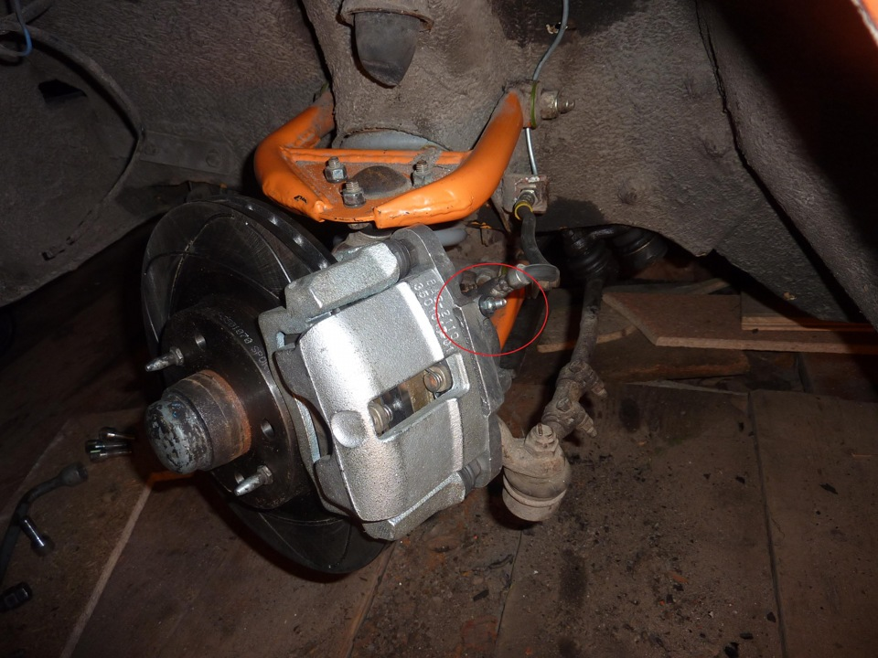 Как прокачать тормоза на ВАЗ-2115 своими руками?