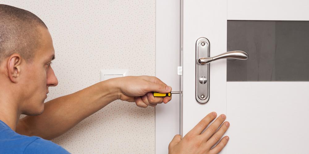 disassemble the door lock of the interior door