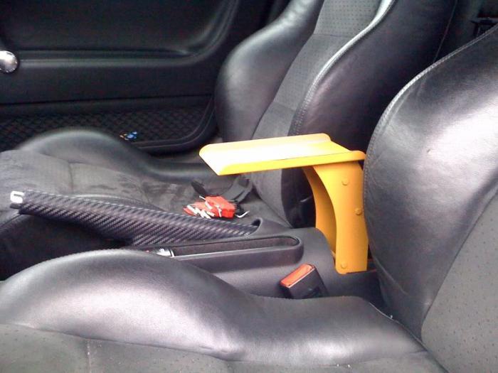 Изготовить подлокотник в авто своими руками