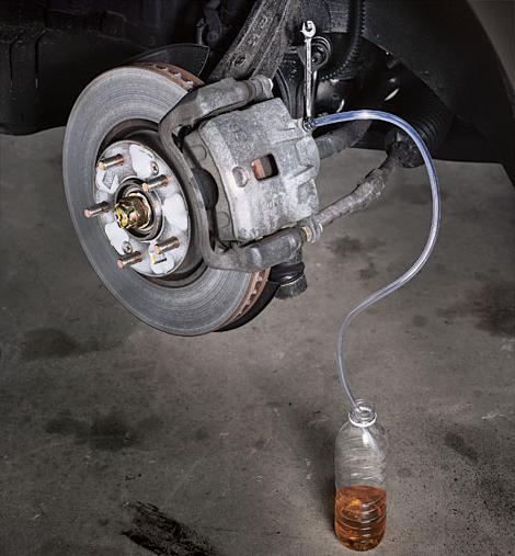 как прокачать тормоза с абс на фольксваген