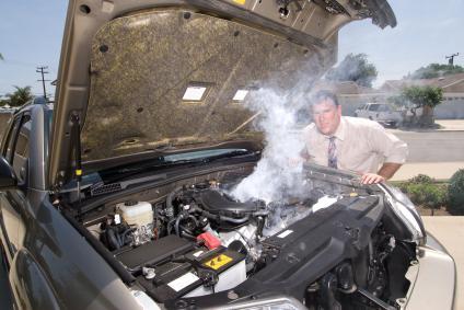 на холостых греется двигатель