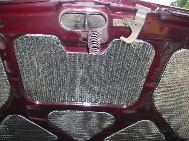 Войлок под капот автомобиля