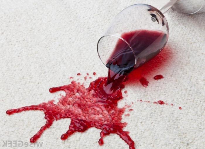 Чем отстирать вино в домашних условиях