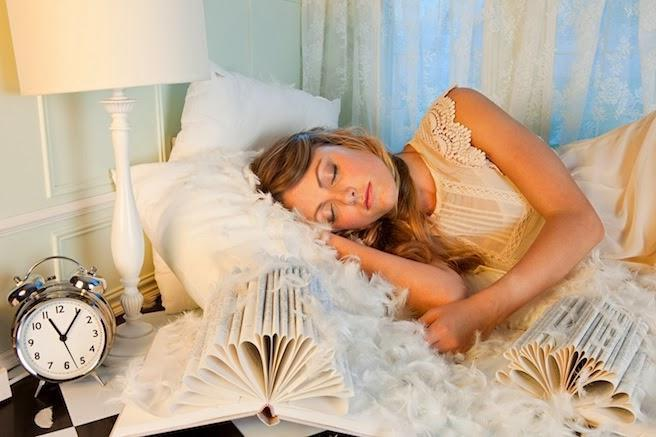 dream meanings dating a celebrity The meanings of common dream symbols vary from person to person when interpreting your dream, keep in mind the setting, characters, and other symbols, as this will help you get a better understanding.