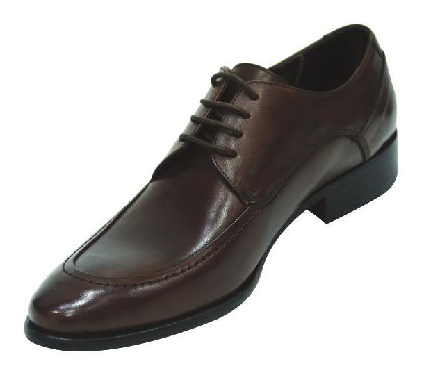 Традиционная мужская обувь: виды, фото