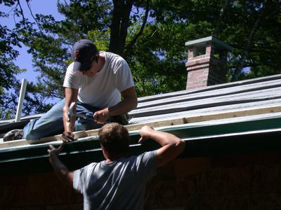 Как покрыть крышу гаража рубероидом своими руками